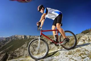 Катание на велосипеде и сосиски снижают мужскую плодовитость на треть