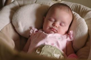 Врачи не советуют использовать белый шум во время детского сна