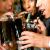 Ученые не советуют пить коктейли через соломинку