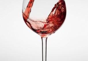 Вред здоровью может принести даже небольшая порция вина