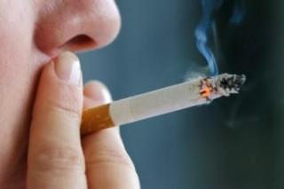 Курение может вызвать потерю слуха
