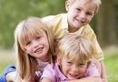 Общение со старшими братьями и сестрами помогает развивать умственные способности