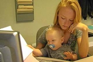 Способности малыша зависят от  возраста и образования мамы